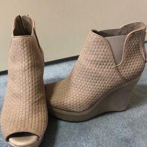 Leather nude ugg heels